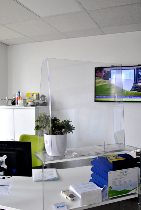 protection comptoir accueil guichet plexiglass plexi transparente plastique covid corona